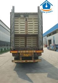 Polyurethane sandwich panels packing and loading_看图王